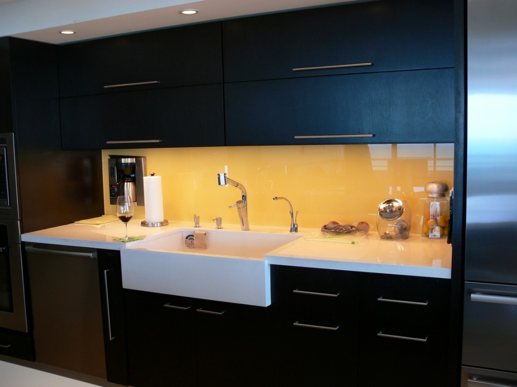 Why Choose A Painted Backsplash From Bear Glass Bear