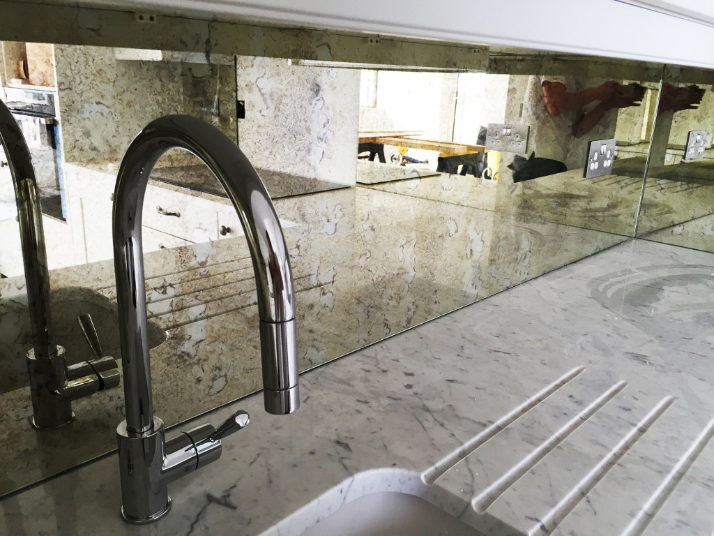 Everything about glass backsplash bear glass blog for Back painted glass tile