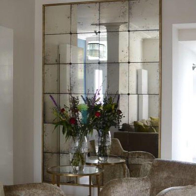 Visual expansion of the dining room  mirrors